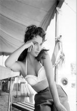 Elizabeth Taylor, Decorative Arts, Prints & Posters,Wall Art Print, Poster Any Size - Black and White Poster